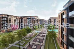 Двустаен апартамент с двор в луксозен комплекс