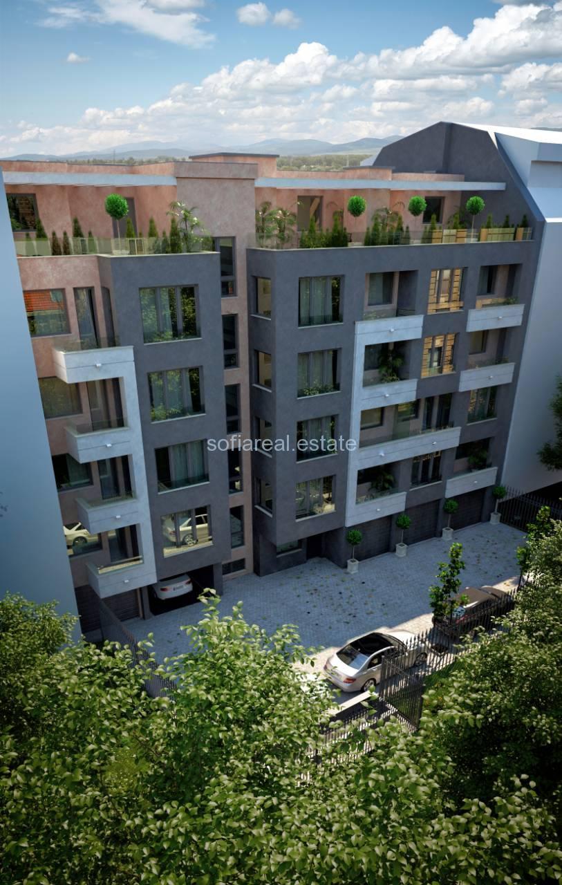 Продава тристаен апартамент в новострояща се сграда в центъра на София